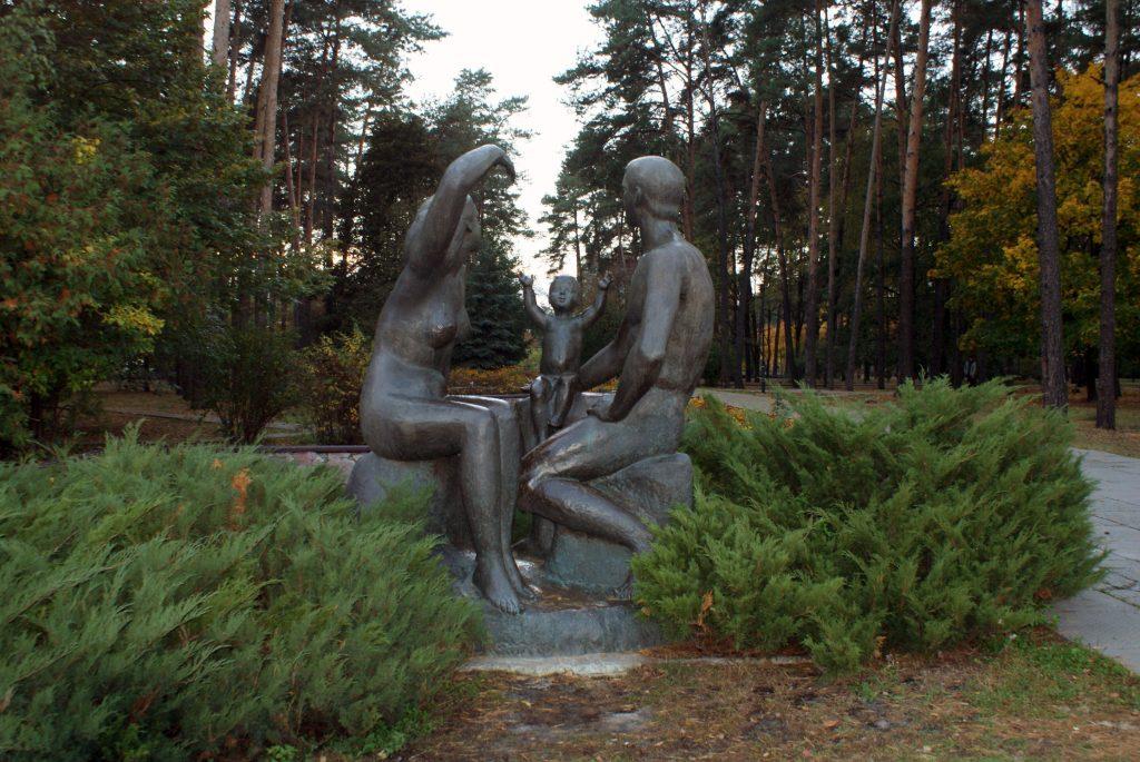 Sławutycz - pomnik rodziny w parku miejskim / Fot. Tomasz Róg