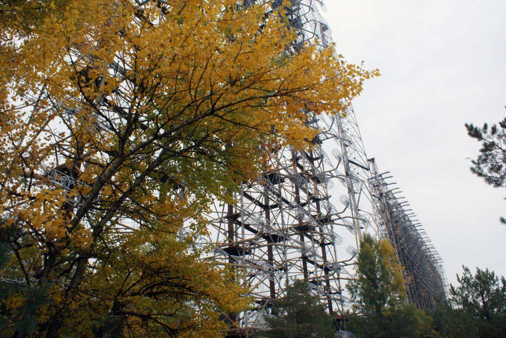 Widok na dwa systemy antenowe - 150- i 90-metrowy. Fot. Tomasz Róg