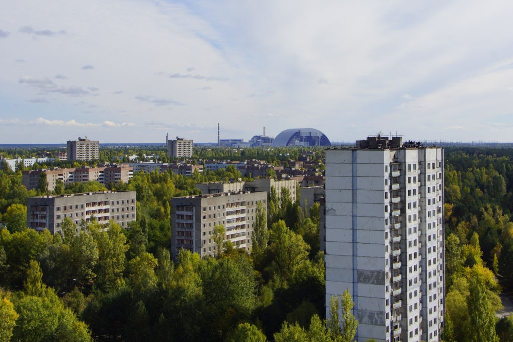 Panorama Prypeci i w tle budowa Arki / Fot. Sebastian Marciak, marciak.pl