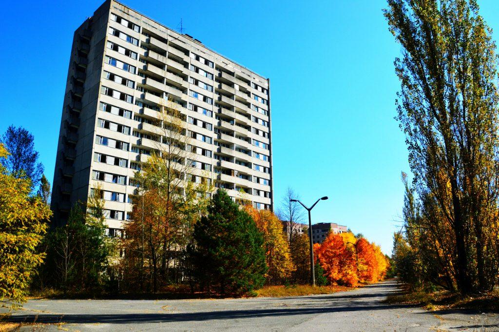 Ulice Prypeci w promieniach jesiennego słońca. Wyprawa - październik 2014 r. Fot. Staszek (stalker)