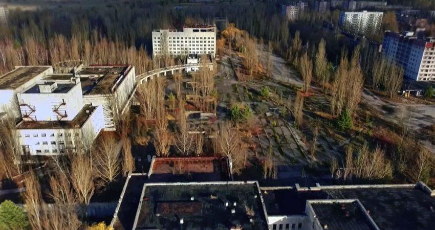 "Kadr z filmu ""Lazurowy pył"" / Fot. Канал Украина"