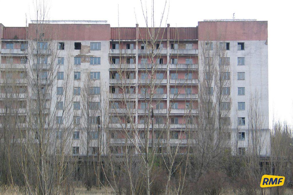 Budynek na rogu ul. Kurczatowa i alei Lenina. Fot. Krzysztof Zasada / RMF FM
