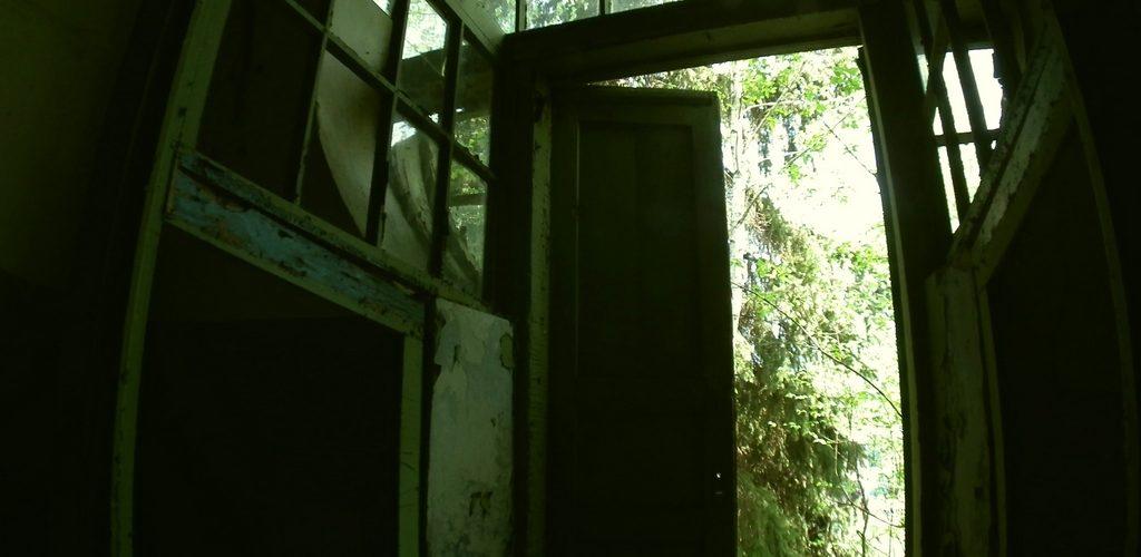 Wybudowana w latach 30. szkoła w Paryszewie, w której w czasach wojny stacjonował sztab Wermachtu. Fot. Marek Rabiński