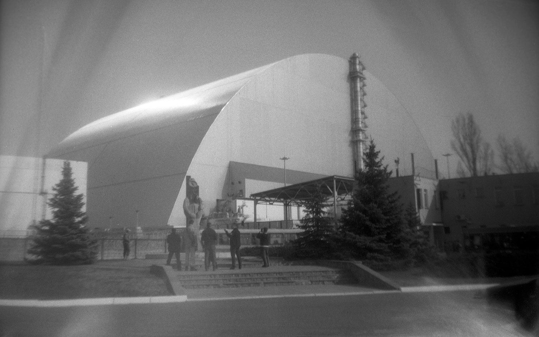 Plac widokowy przed sarkofagiem. Fot. Stanisław Adamski