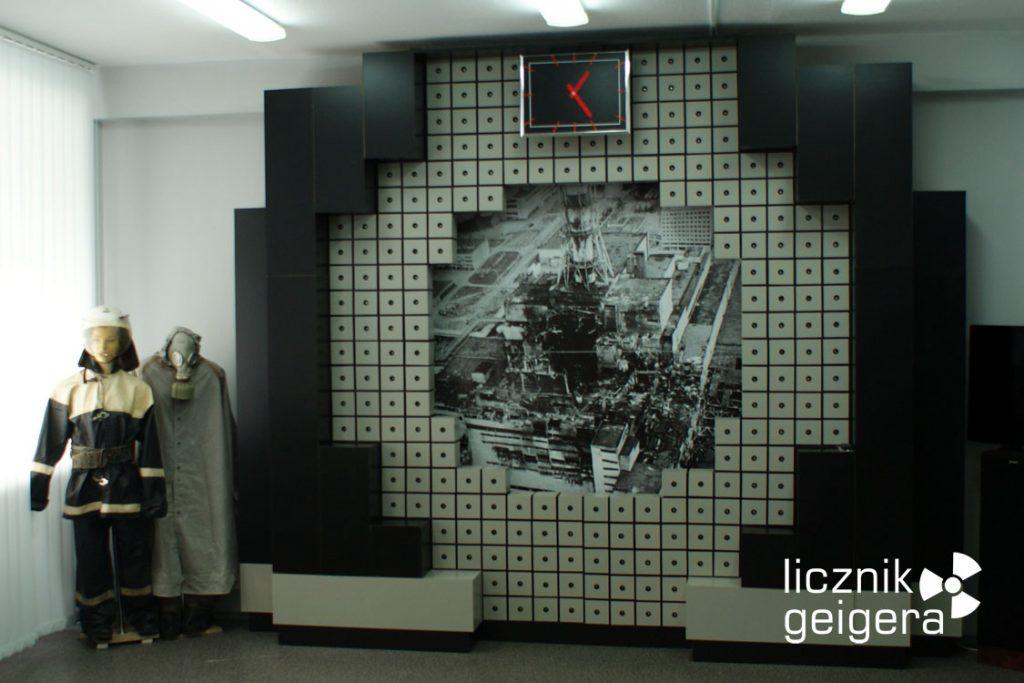 Symboliczna makieta płyty reaktora RBMK czwartego bloku czarnobylskiej elektrowni. Fot. Tomasz Róg